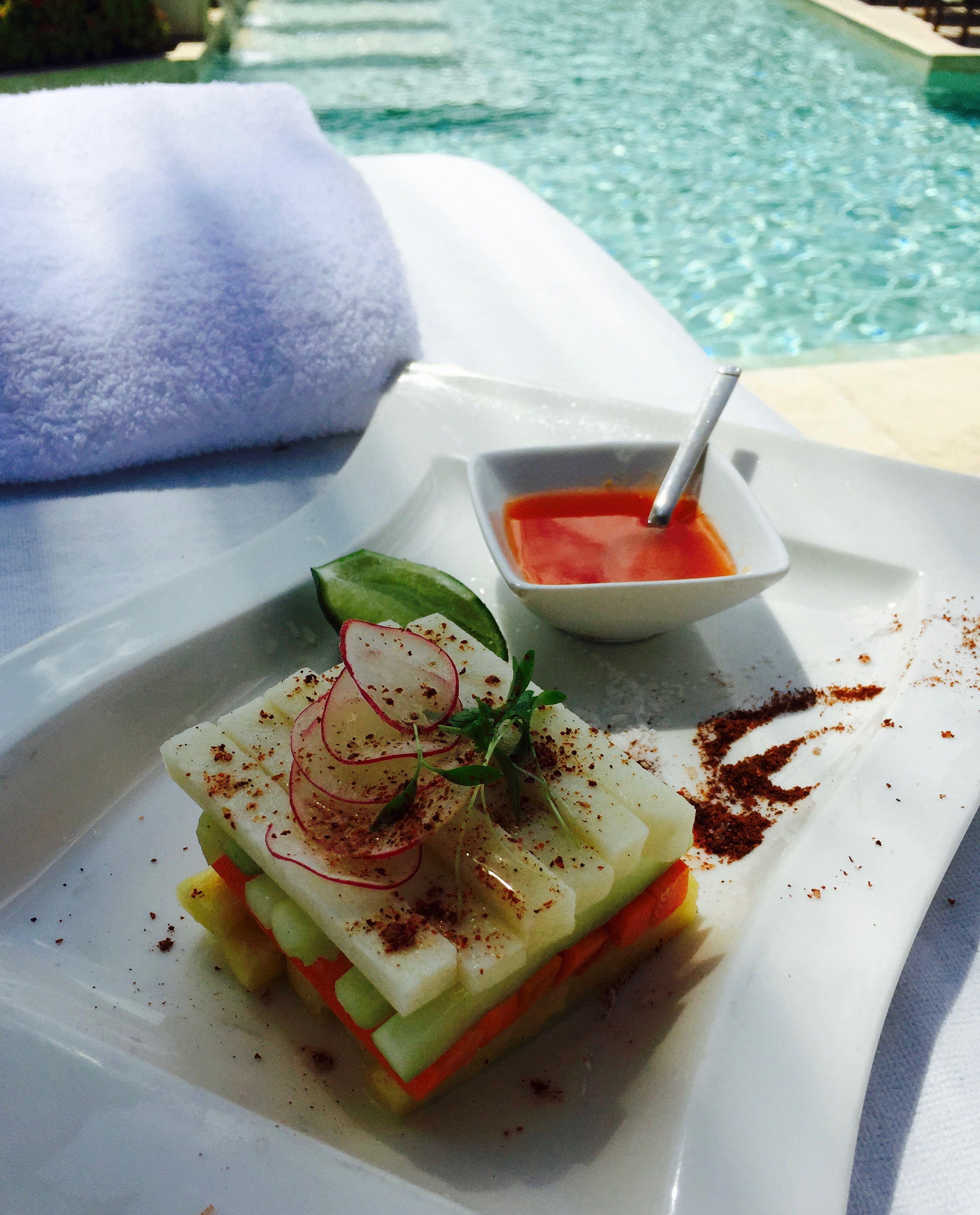 Another clever presentation of Jicama, cucumbers, carrots, mango, radishes and chili flakes. I so looked forward to my lunch each day.
