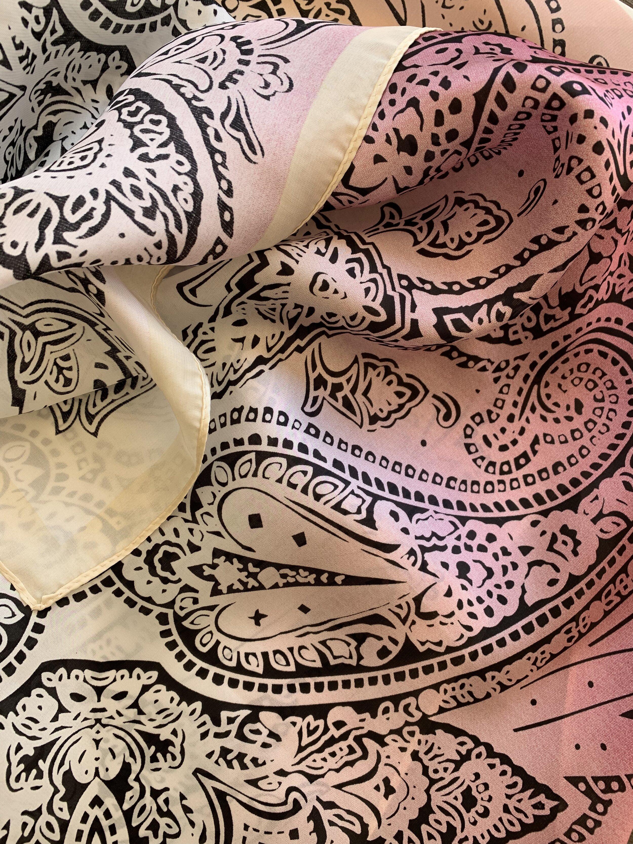 pink bandanna