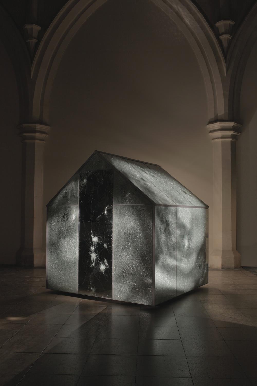 glasshouse-light_bgd-copy.jpg