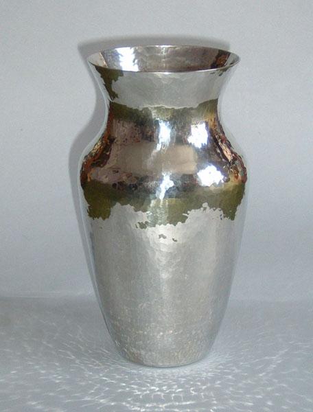 Vase (V11)