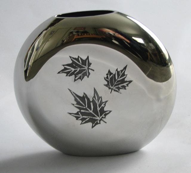 Leaf Vase (V19)