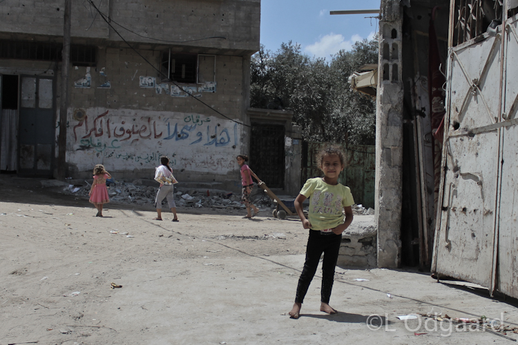 Palestinian children playing in Shejaiya