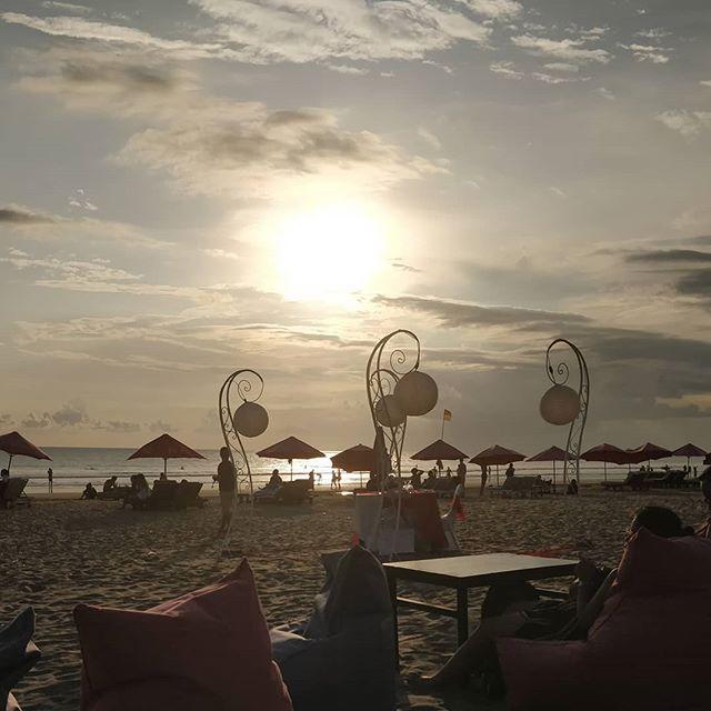 #sunset in #seminyak - life isn't too bad! #holiday #Bali #exploringBali #worldtraveler #beach #nofilter #thegoodlife
