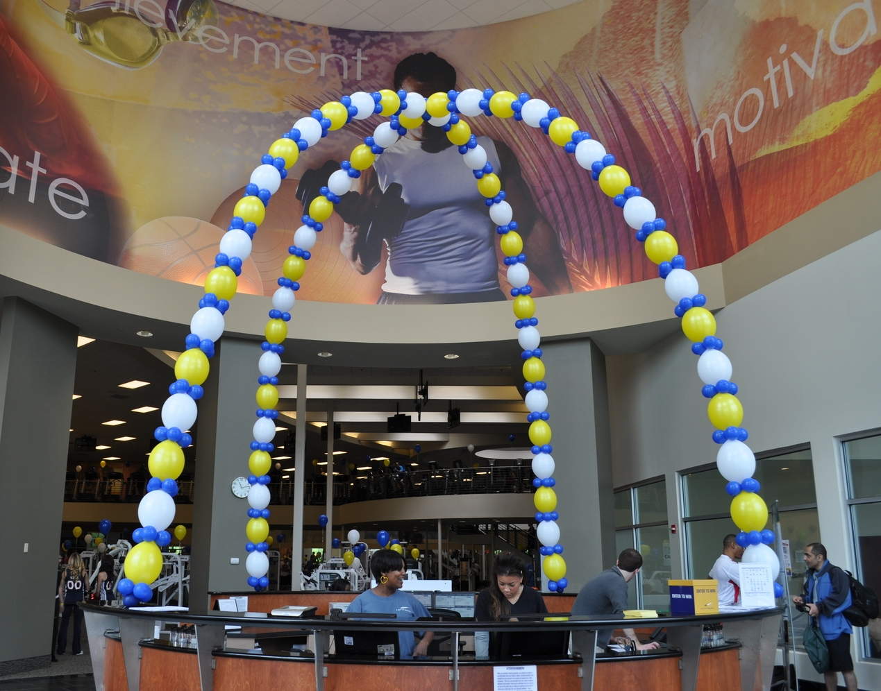 Balloon decor for LA Fitness front desk