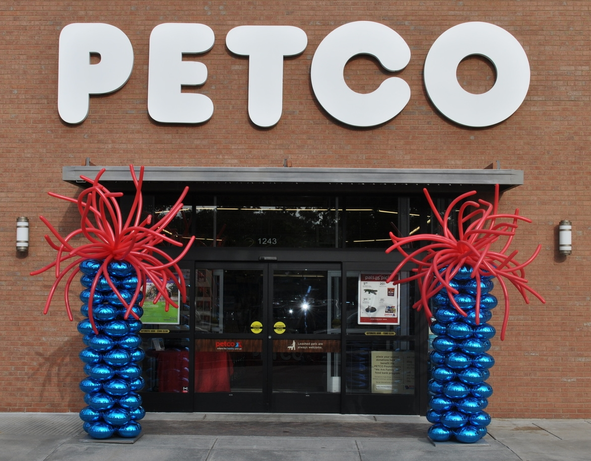 Balloon decor for Petco