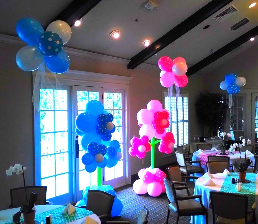 Balloon decorations for a gender reveal party