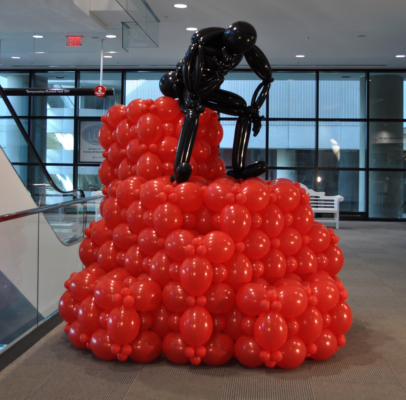 "Auguste Rodin's ""The Thinker"" made from balloons"