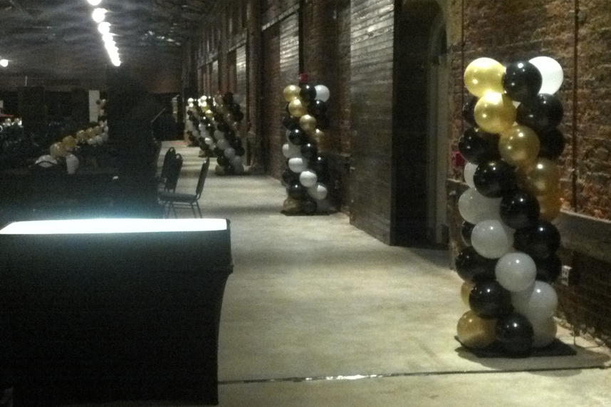 Venice themed prom balloon columns