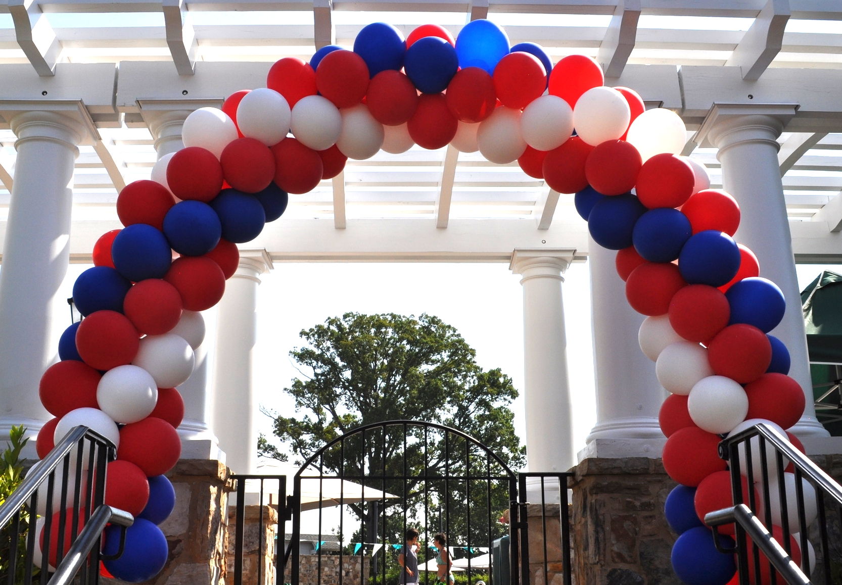 Independence Day balloon arch