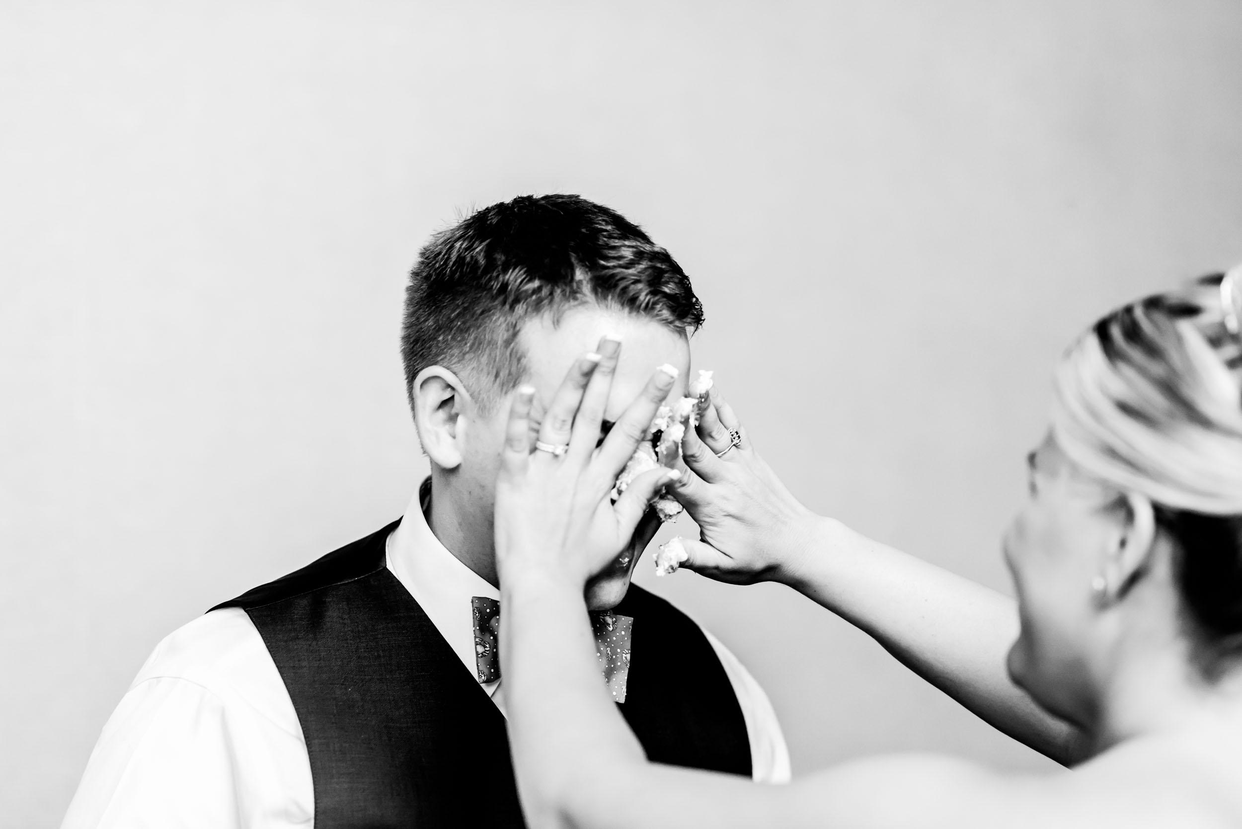 dc+metro+wedding+photographer+vadym+guliuk+photography+wedding+cake-cutting-2023.jpg