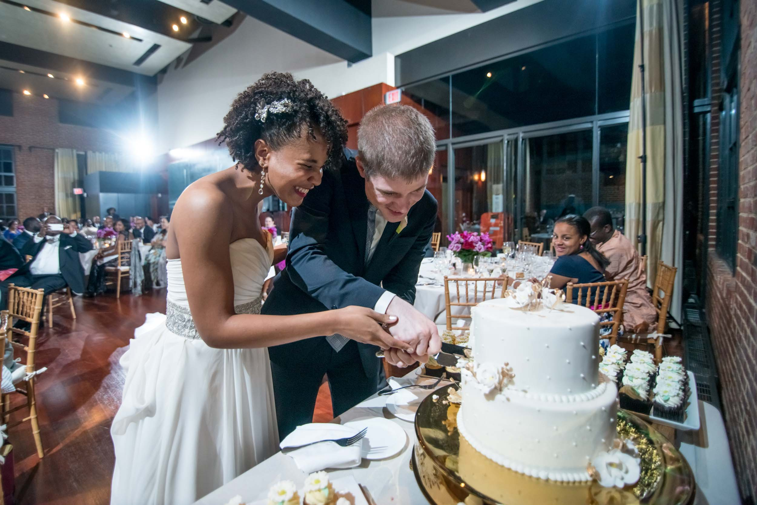 dc+metro+wedding+photographer+vadym+guliuk+photography+wedding+cake-cutting-2025.jpg
