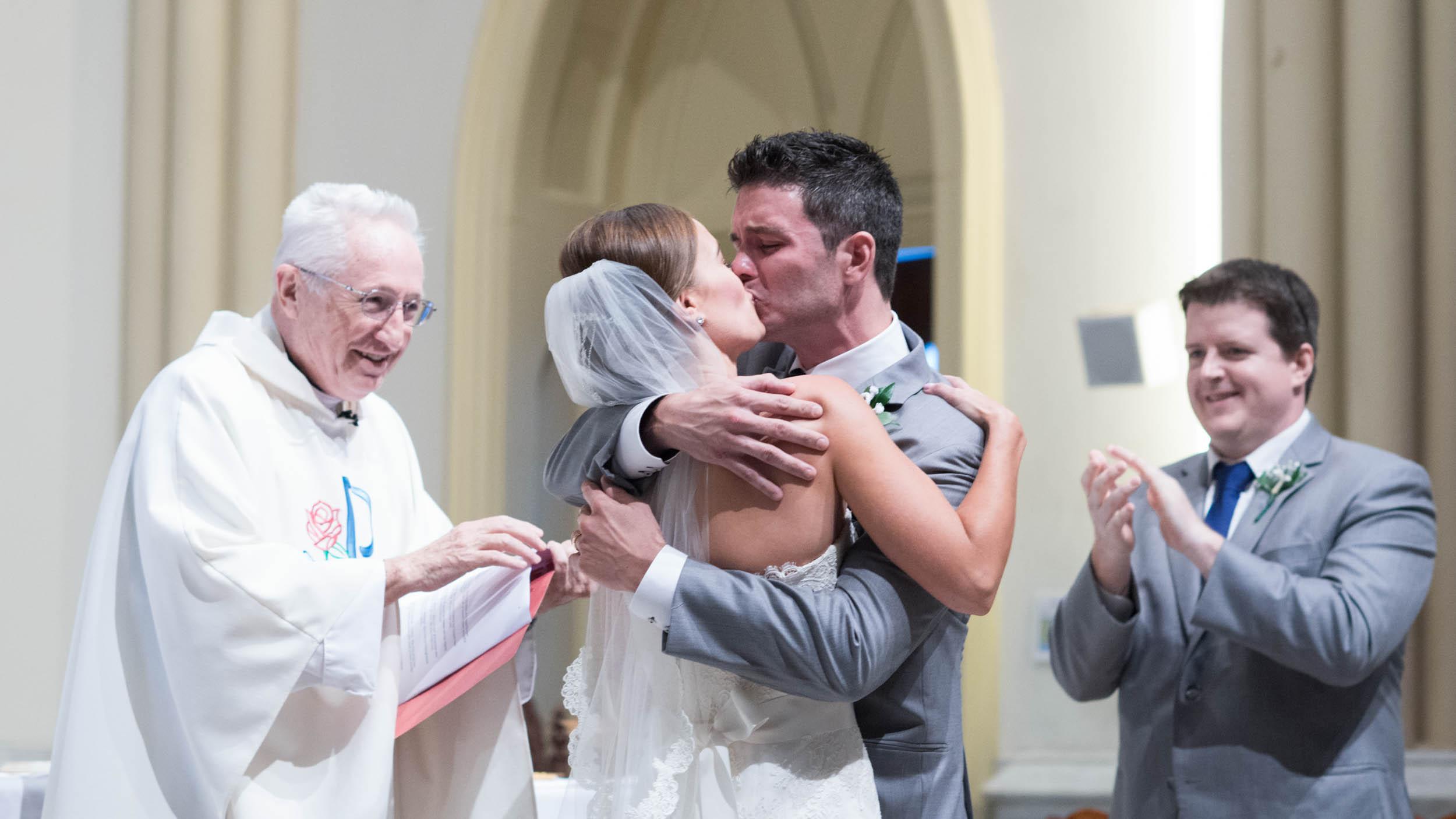 dc+metro+wedding+photographer+vadym+guliuk+photography+wedding+first+kiss-2021.jpg