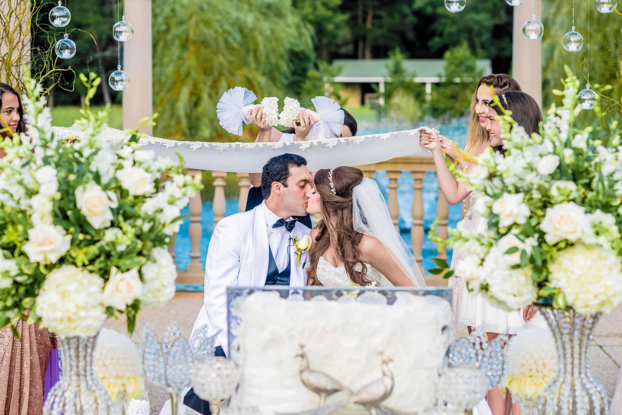 dc+metro+wedding+photographer+vadym+guliuk+photography+wedding+first+kiss-2023.jpg