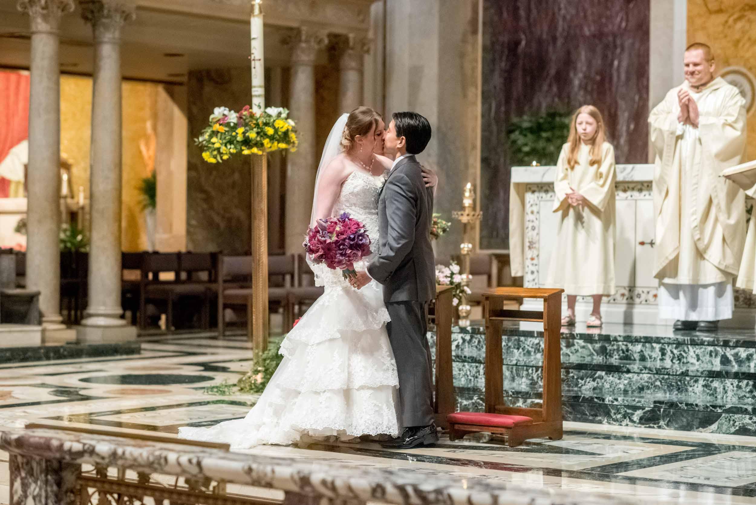 dc+metro+wedding+photographer+vadym+guliuk+photography+wedding+first+kiss-2022.jpg