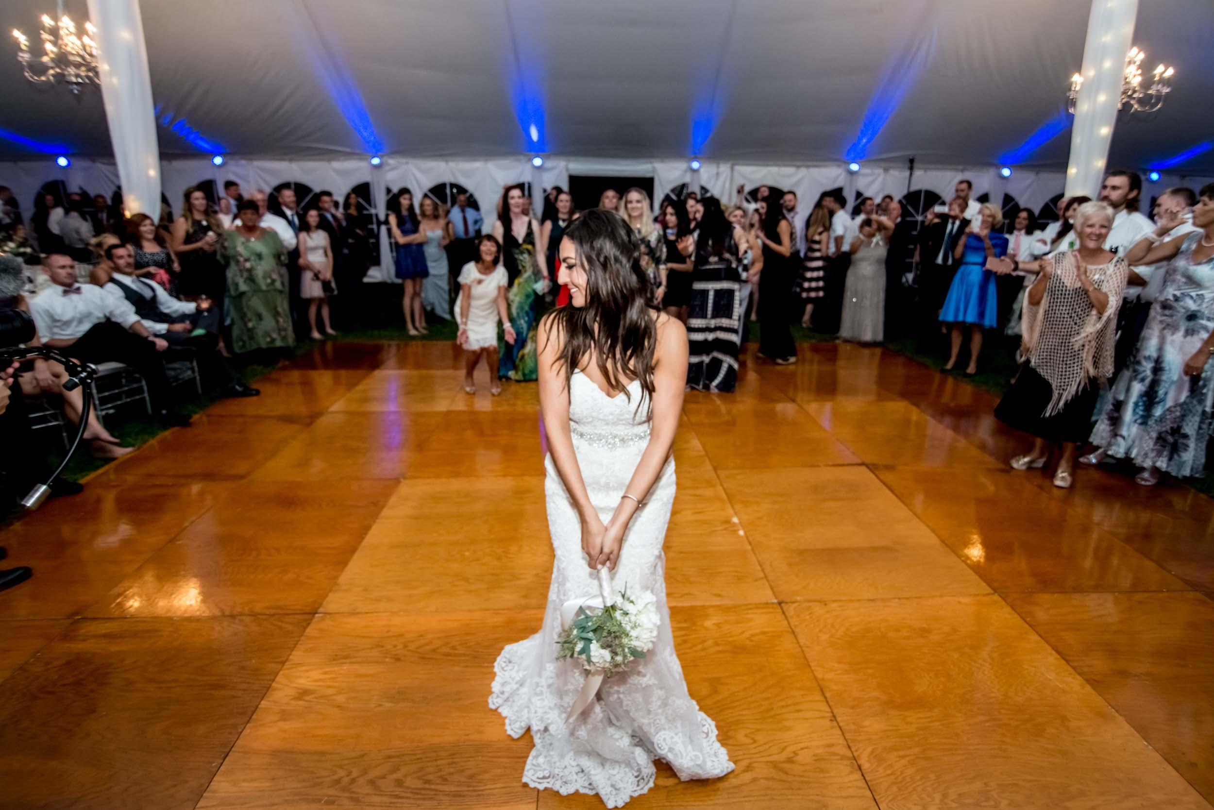 dc+metro+wedding+photographer+vadym+guliuk+photography+wedding+garter+toss-2021.jpg