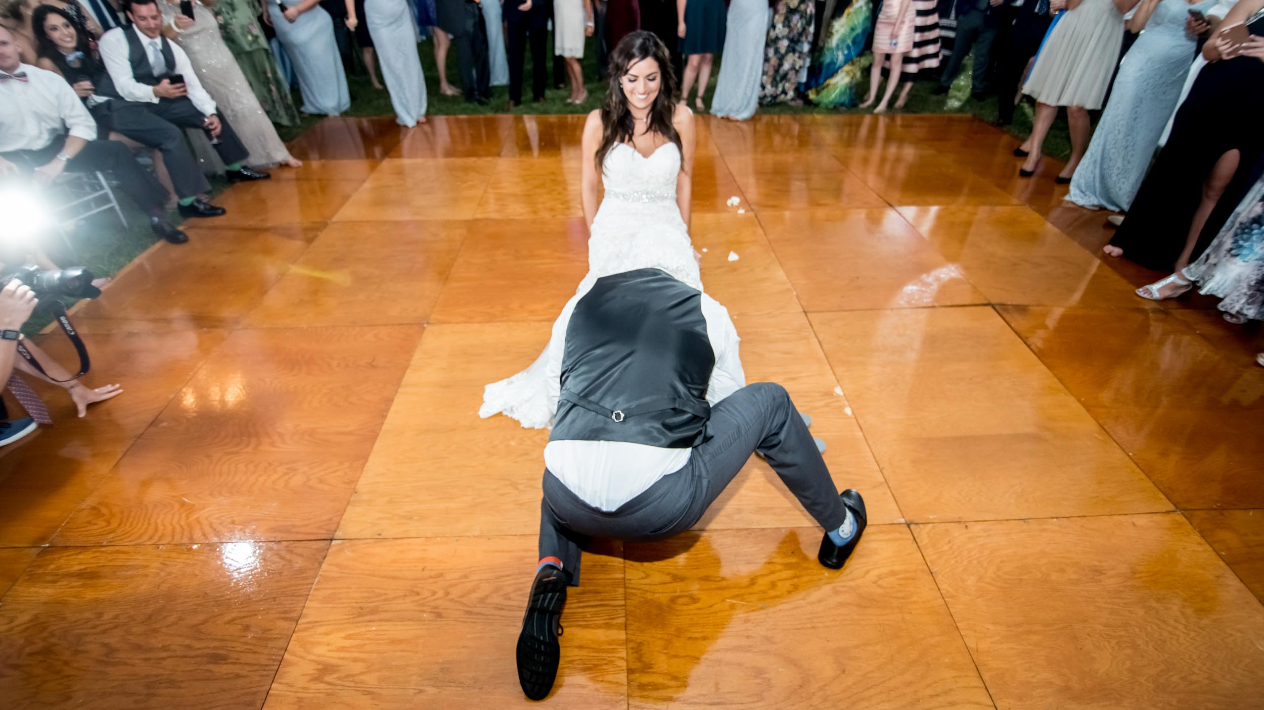 dc+metro+wedding+photographer+vadym+guliuk+photography+wedding+garter+toss-2023.jpg