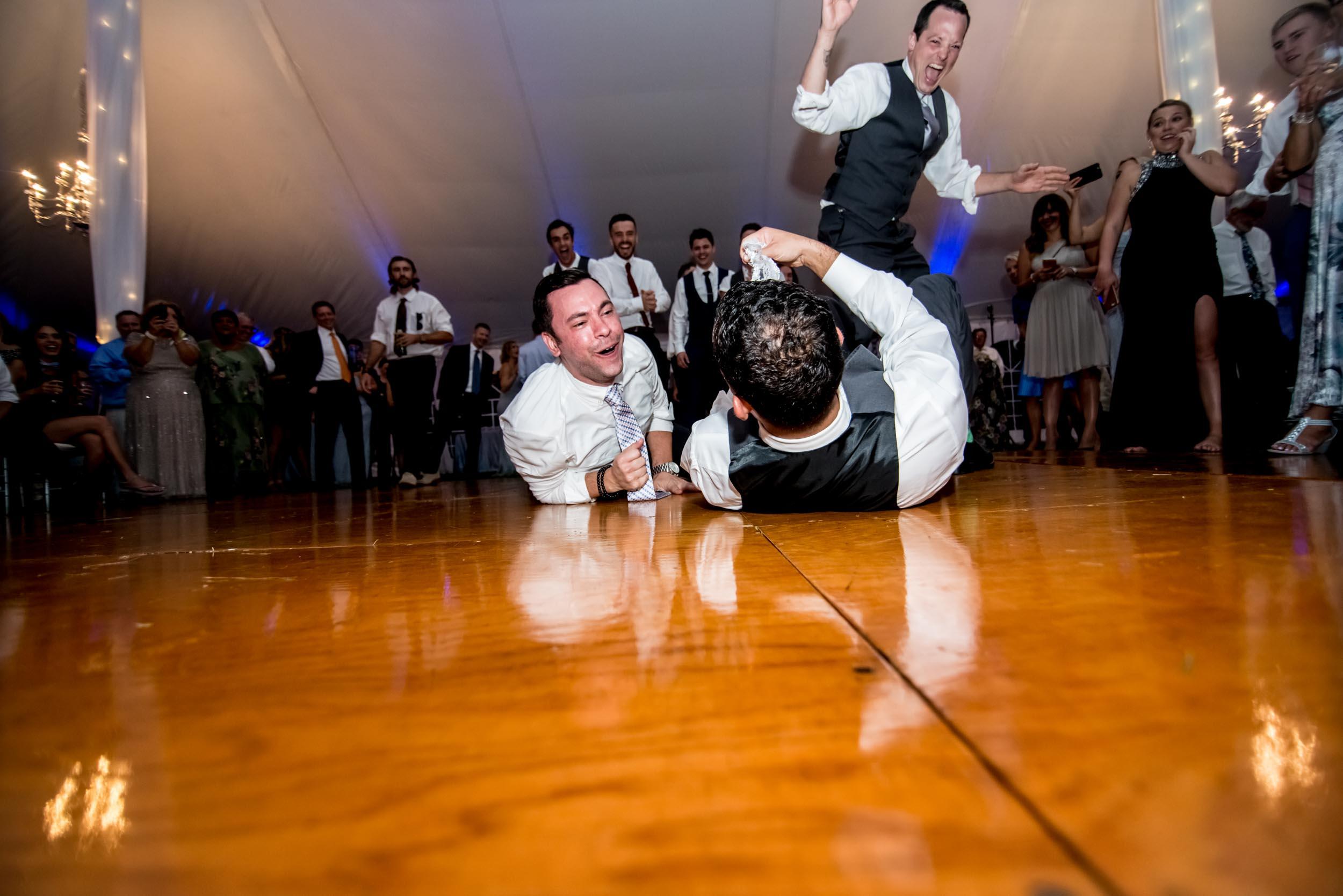 dc+metro+wedding+photographer+vadym+guliuk+photography+wedding+garter+toss-2027.jpg