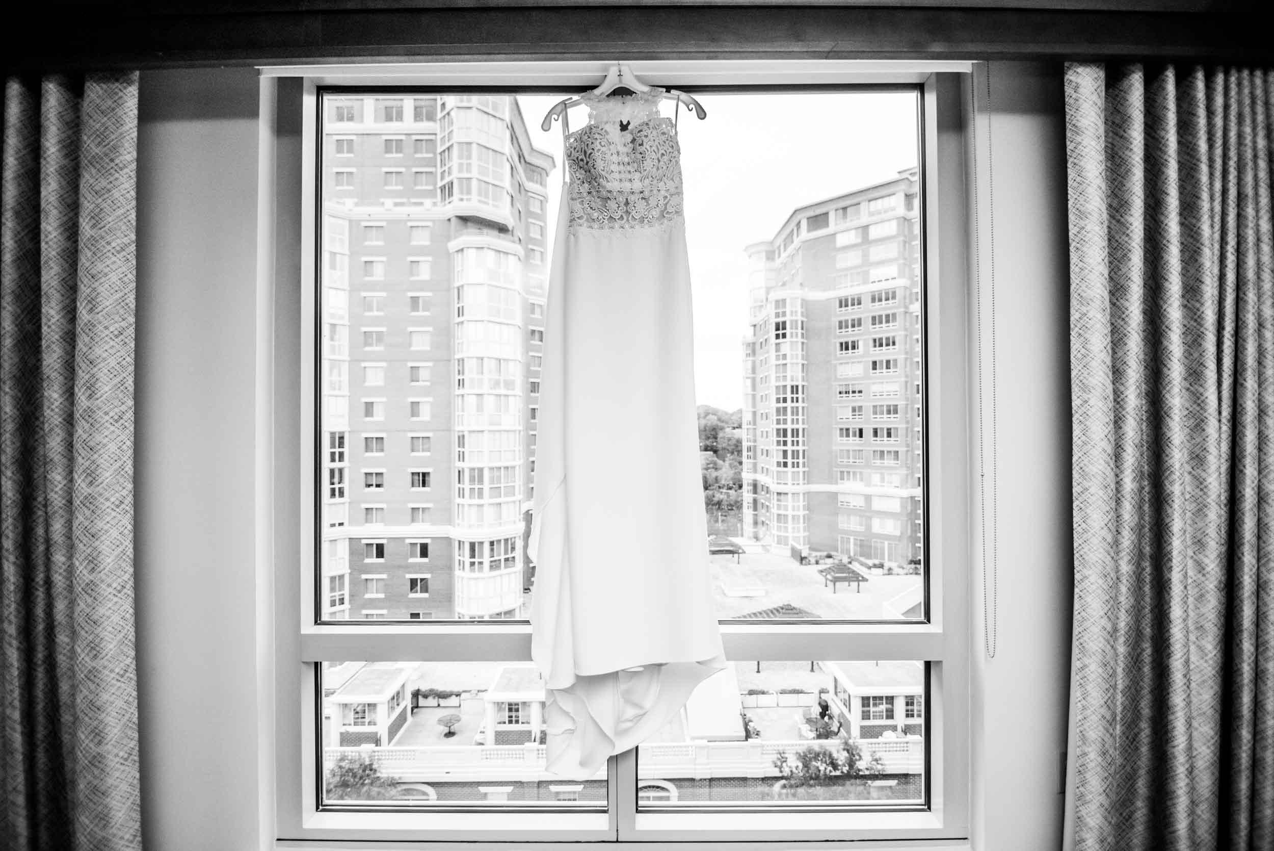 dc+metro+wedding+photographer+vadym+guliuk+photography+weddings+dress-2022.jpg