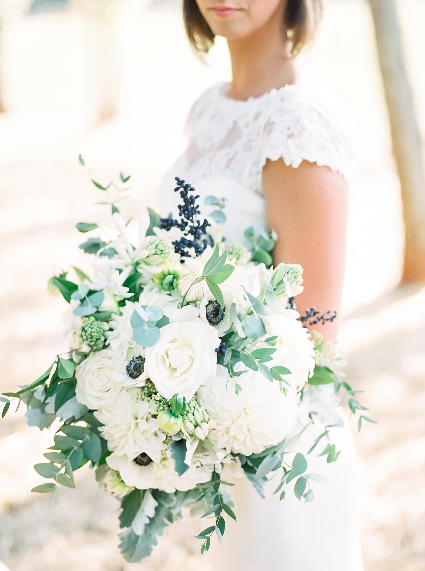 Flower bouquet with light colors