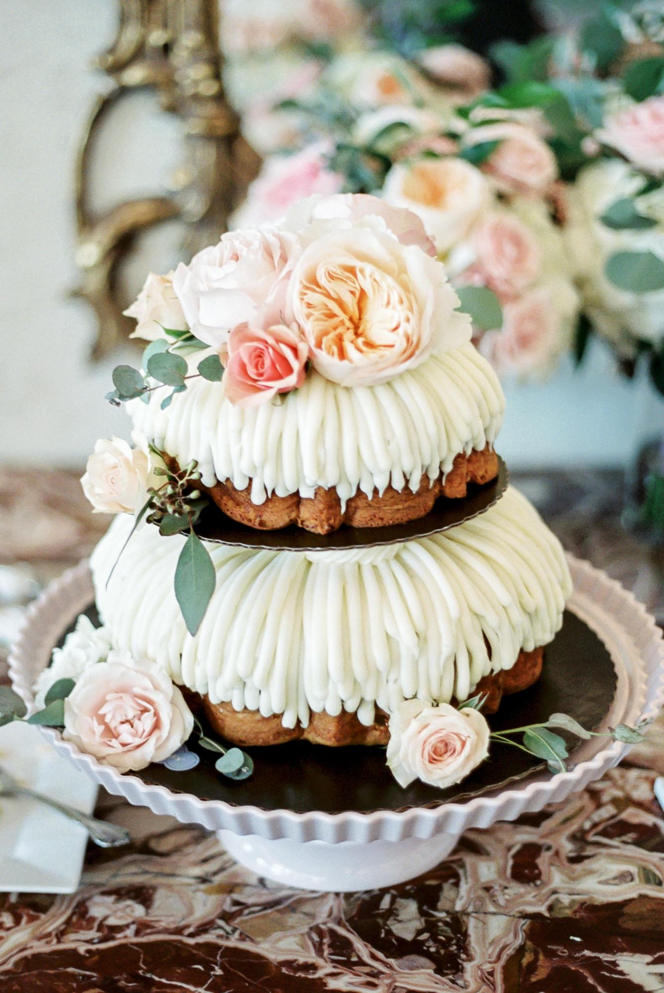 nothing bundt cake wedding cake