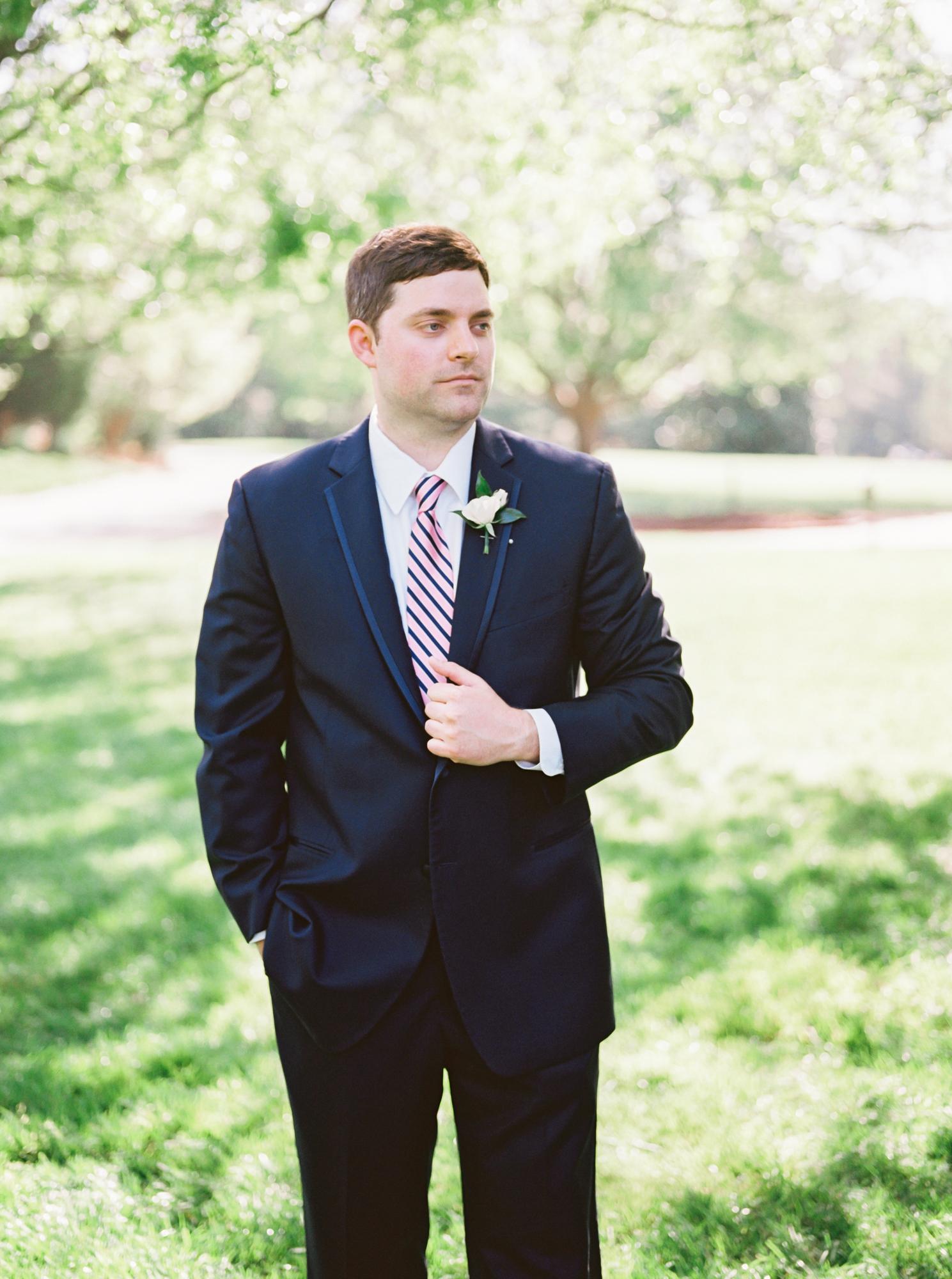charlotte wedding photographer groom