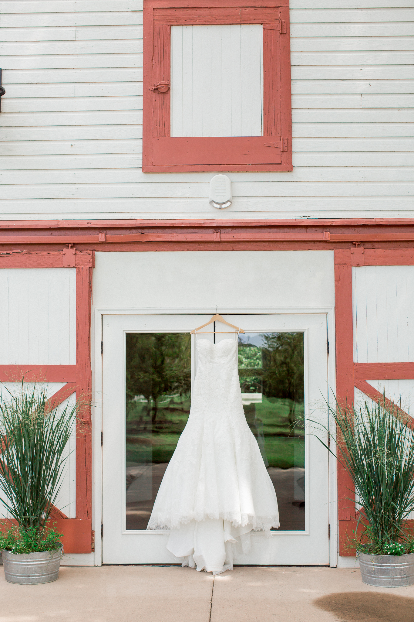 white barn wedding venue