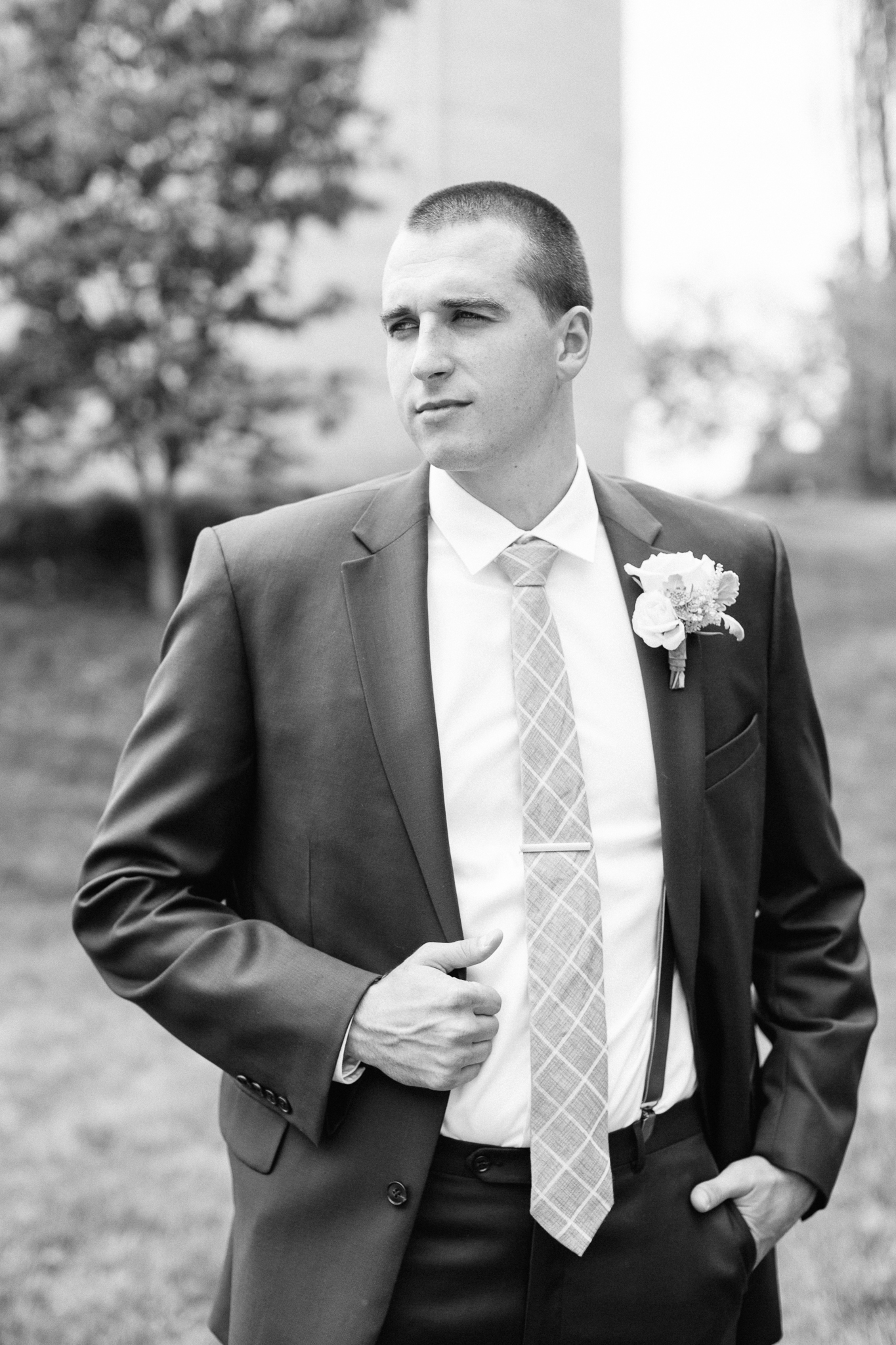 groom portrait black and white