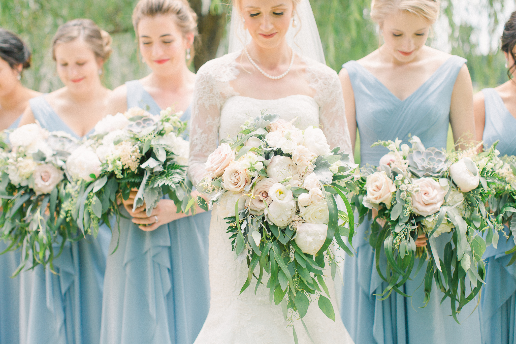 bouquets with greenery ideas