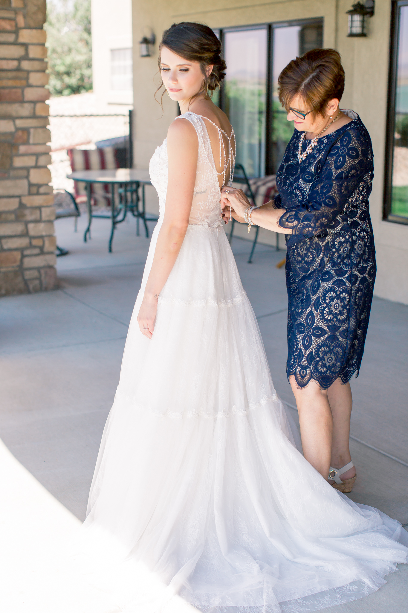 colorado bride getting ready