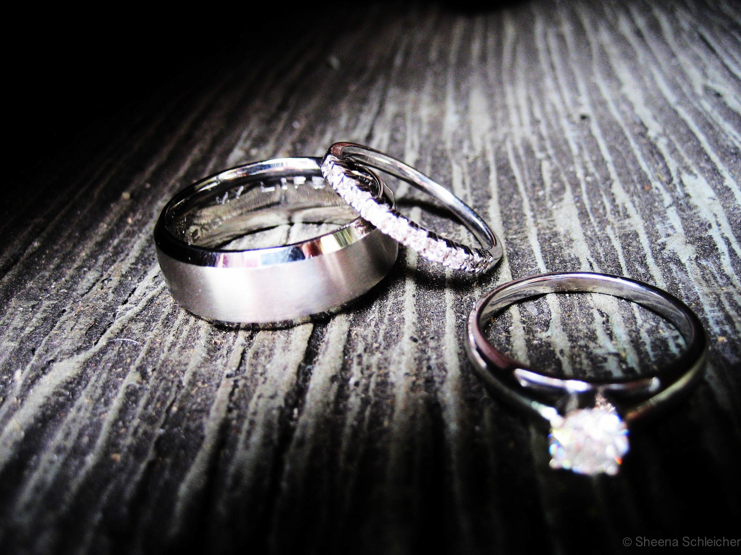engagment-ring-wedding-bands.jpg
