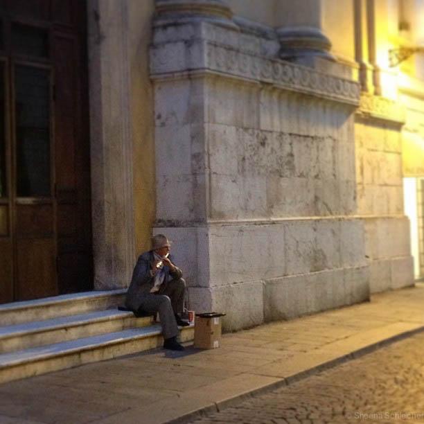 italy-street-musician.jpg