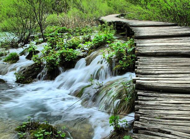 plitvice-croatia-bridge.jpg