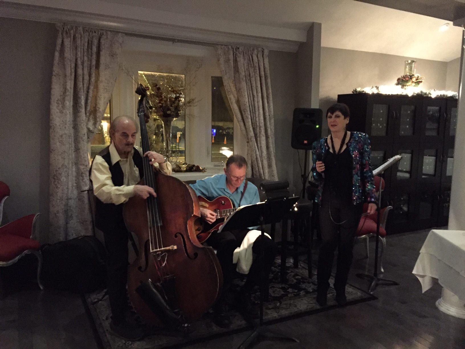 The Bob Wylde Trio.jpg