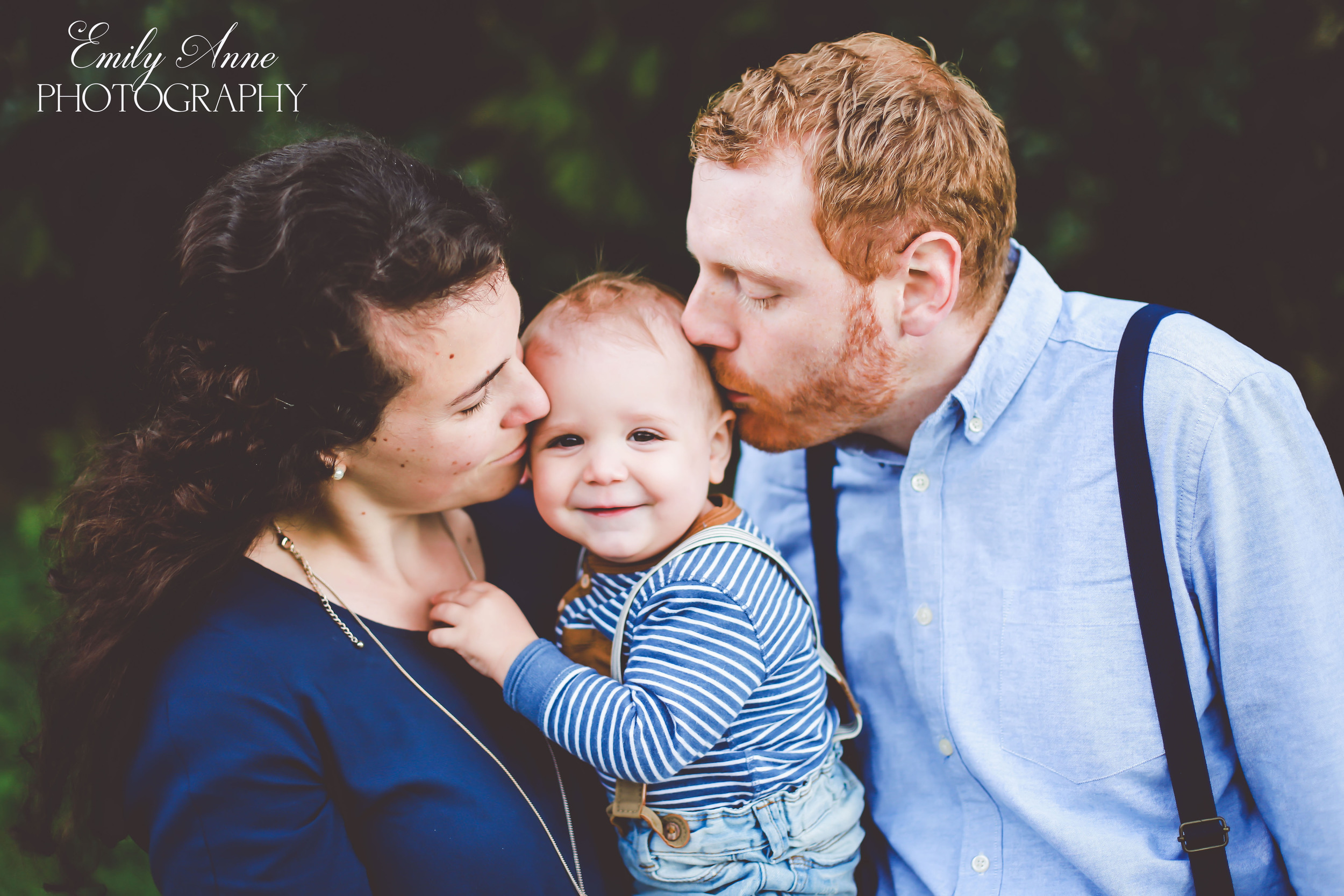 sweet southern family photos nashville/franklin/brentwood top affordable high quality family photographer Emily Anne photography  Posing tips for family pics  international photographer. shot in appenzell switzerland  wedding and portrait photos based in nashville tennessee