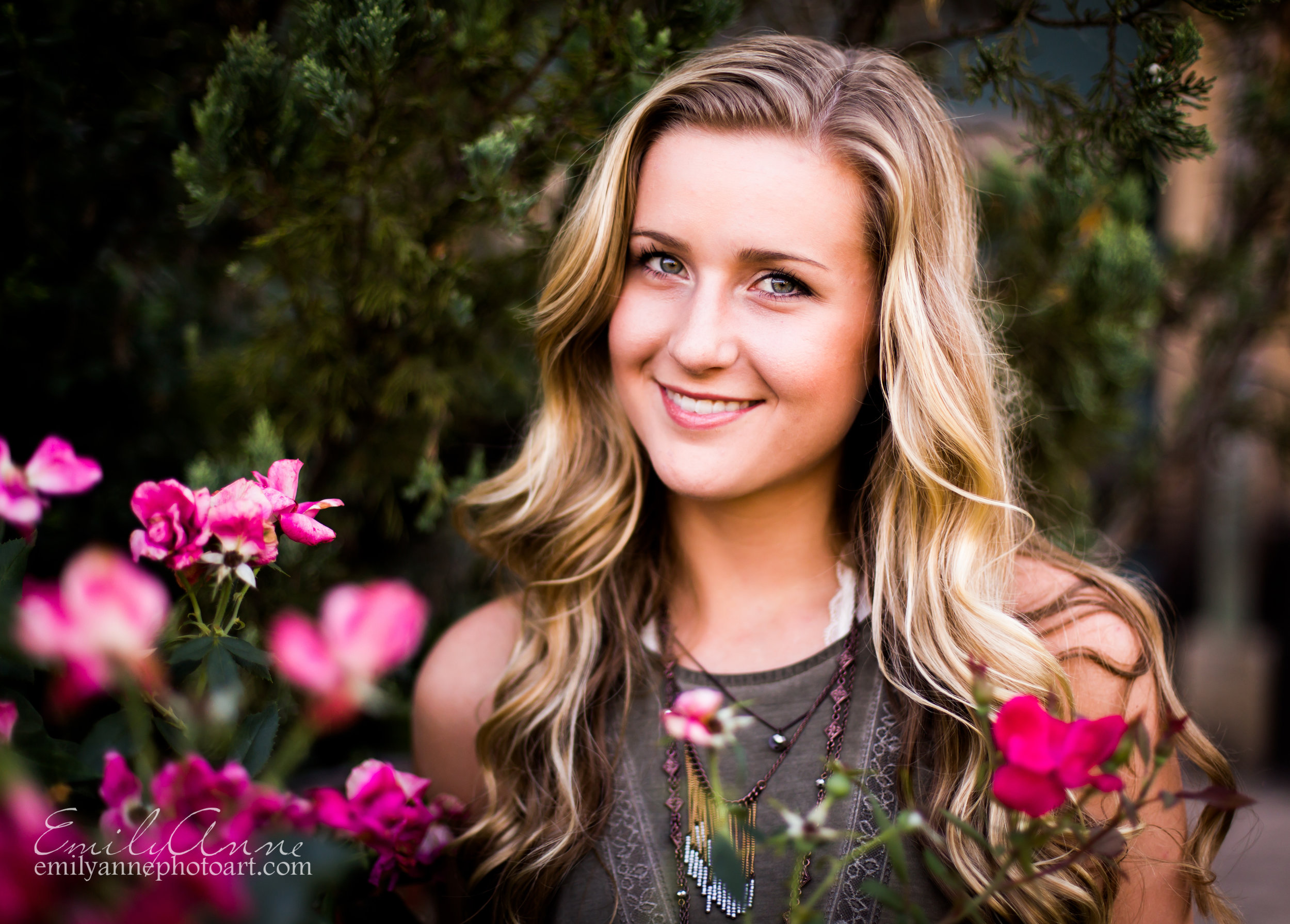 best senior portrait photographer in nashville, brentwood and franklin tn - professional high quality photographer emily anne photography