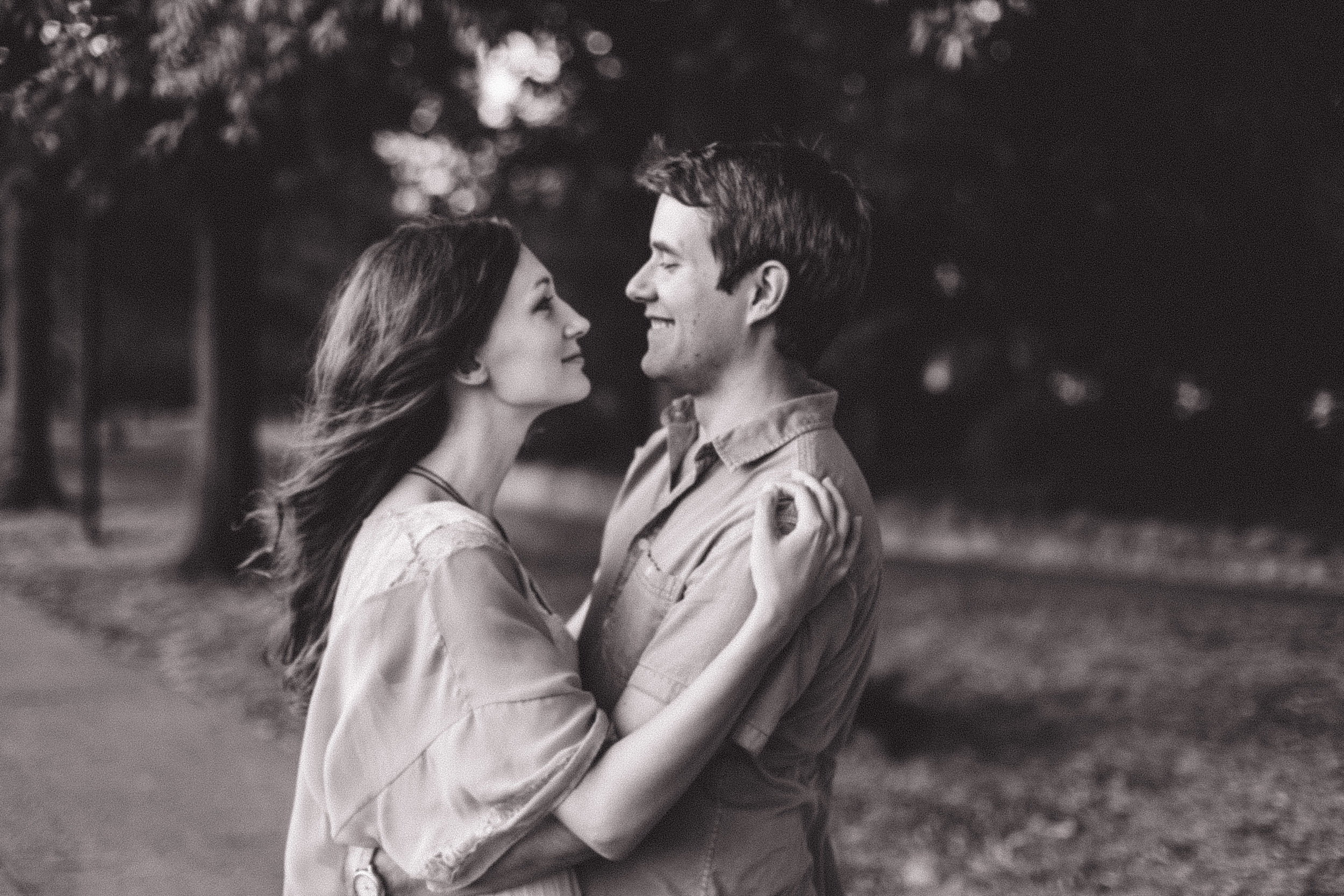 best elopement/first look/engagement photographer in Nashville TN and Franklin TN; top musician photoshoot