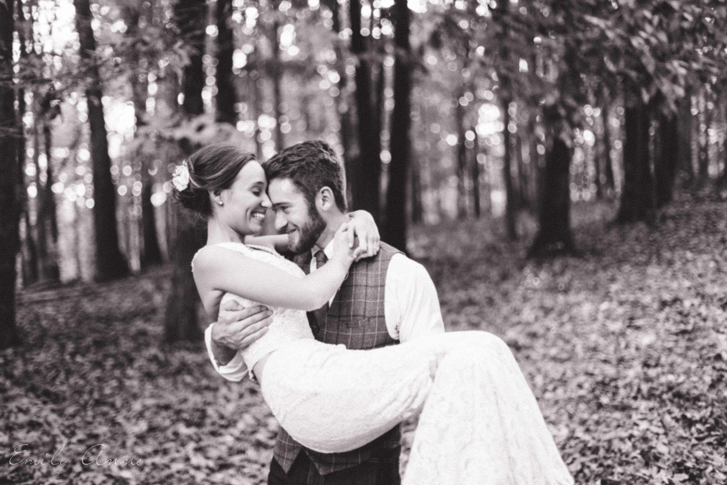 wedding photographer in nashville emily anne shoots the best most candid moments of two lovebirds on camera, capturing natural and raw moments