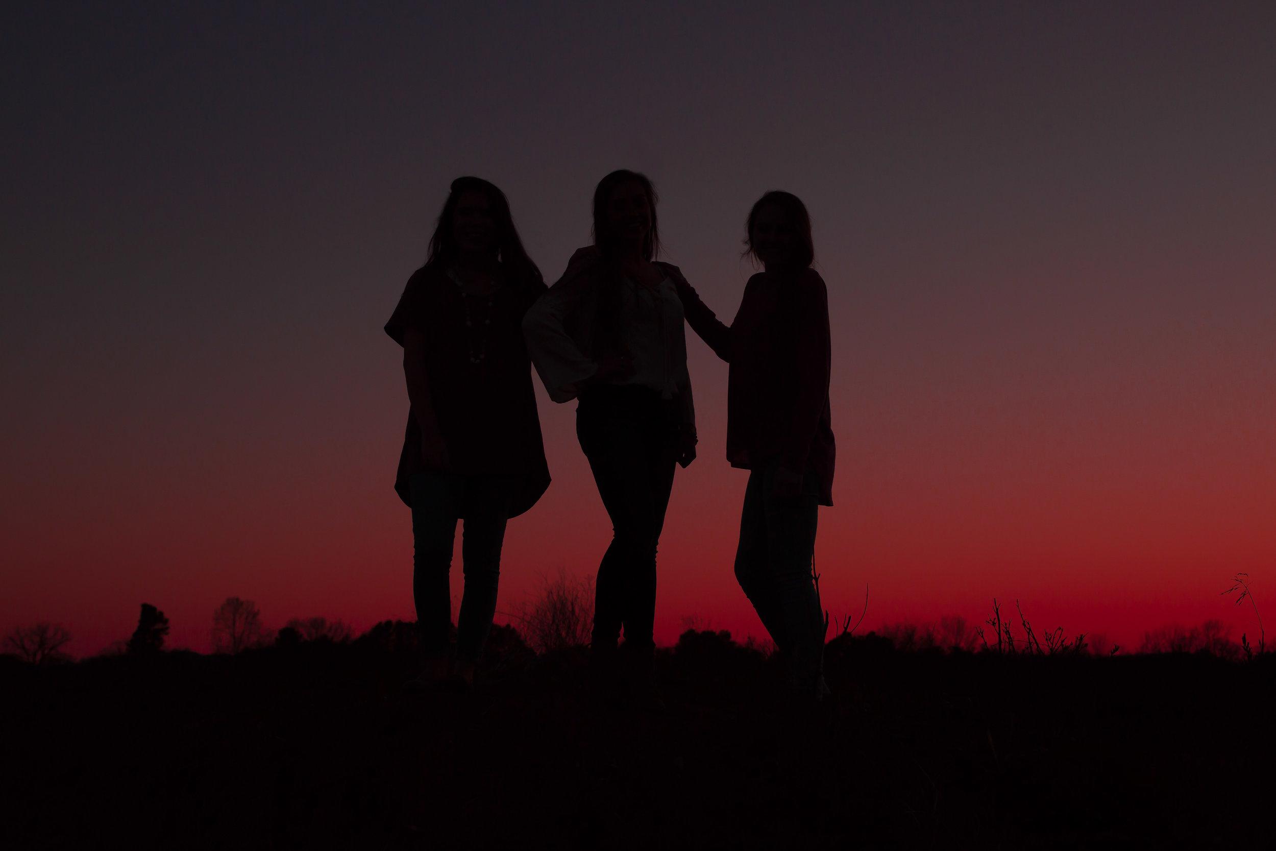 become a senior rep for emily anne seniors nashville tn shot at sunset