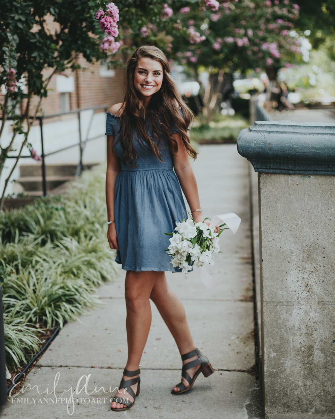 the BEST senior portrait ideas in all of Nashville, Brentwood and Franklin TN--- Birmingham Alabama inspiration - cute rustic, gorgeous flowers Emily Anne Photo Art