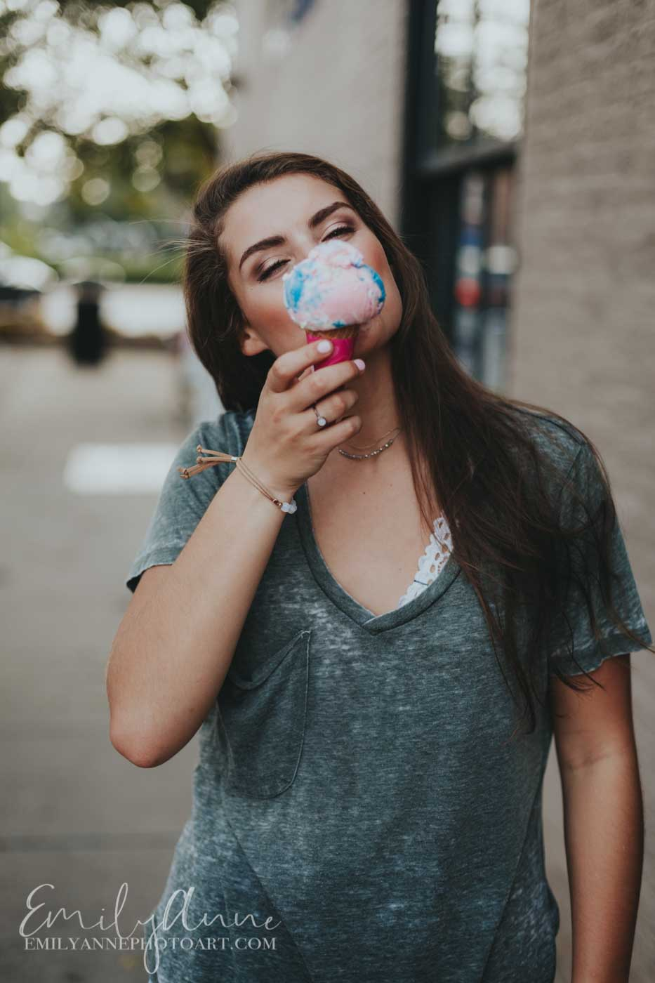 baskin Robbins photographer ice-cream cute senior portrait sweet inspiration pics
