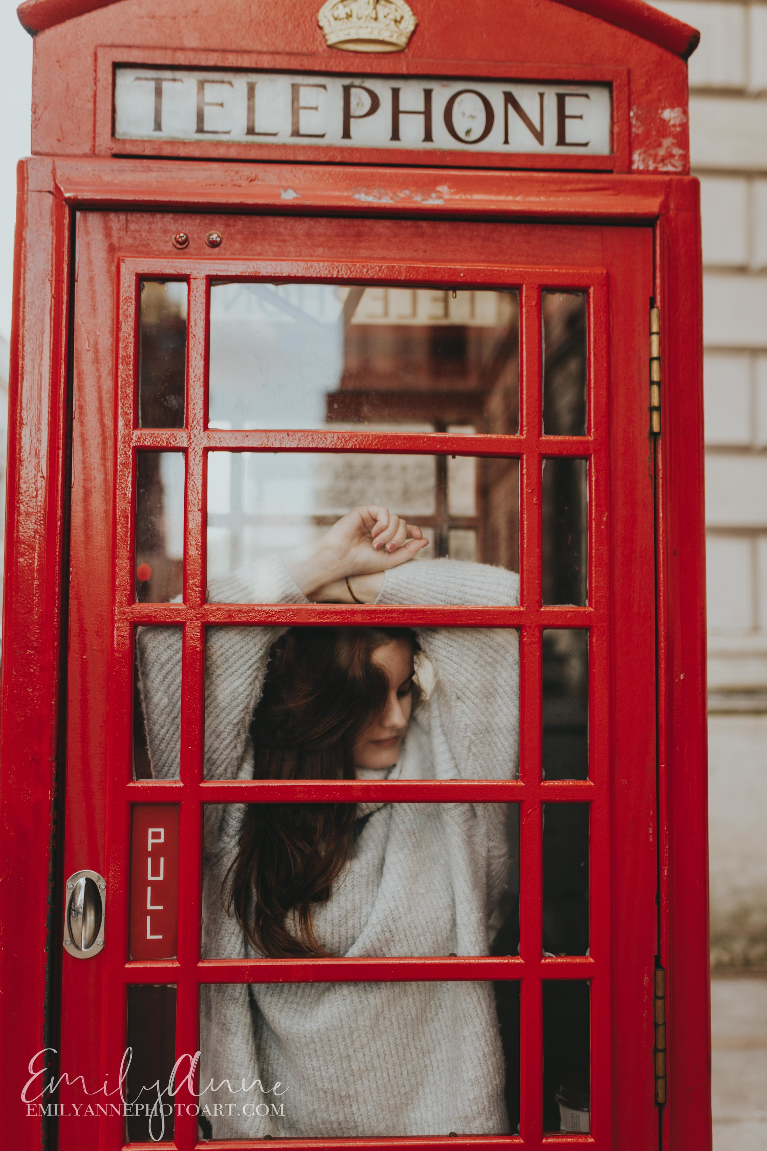 old telephone booth inspiration portrait photography by best Nashville photographer Barcelona mejor fotógrafo  in London UK
