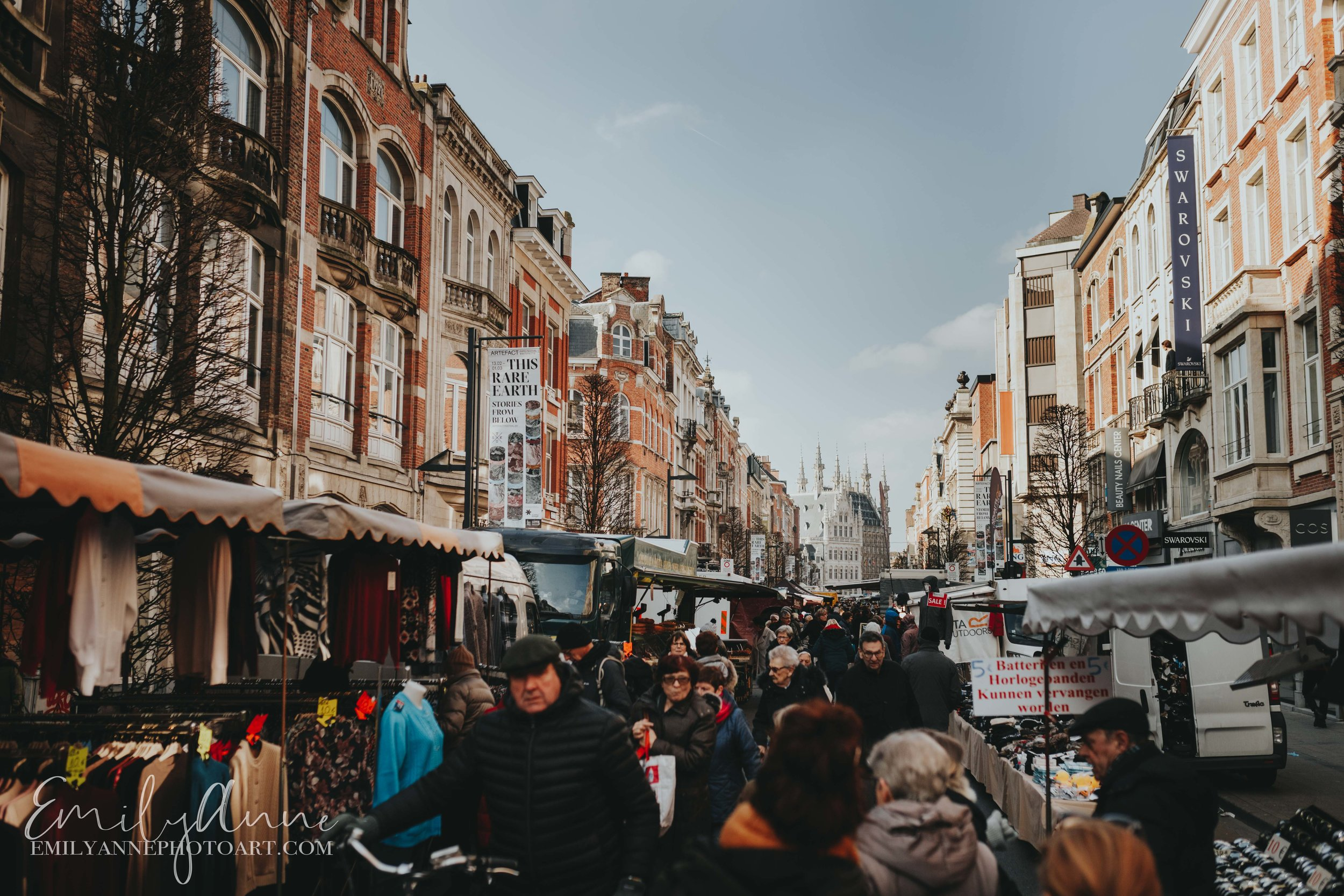 Leuven Markets by Belgium Barcelona Portrait Wedding photographer fresh markets