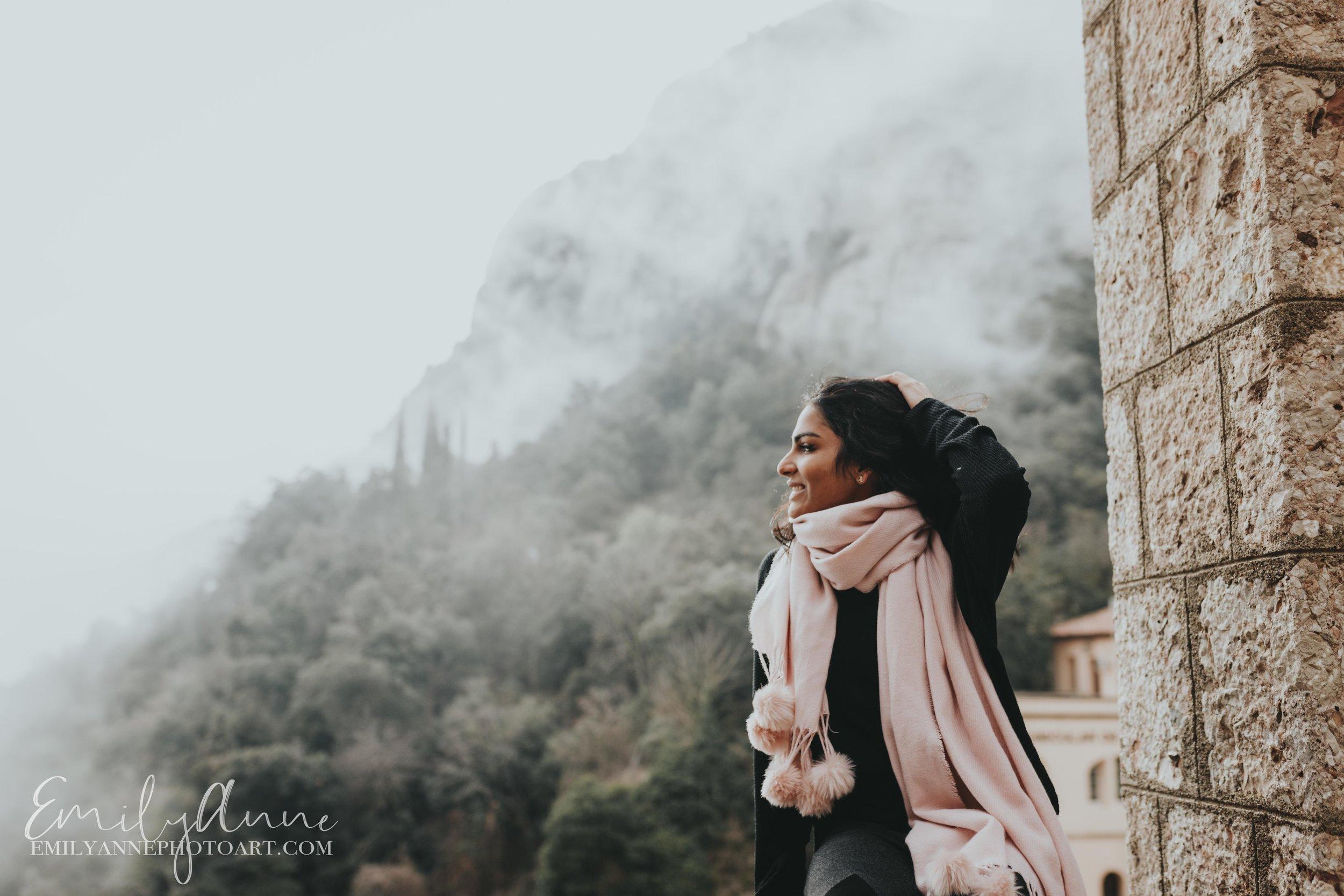 top portrait photographer fotografa Vanderbilt Nashville Barcelona Montserrat rocky peaks