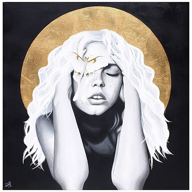my newest piece 'weight of love' was featured in the market art + design hamptons show this past weekend ✨ this piece is still available, contact @romanfineart gallery or i for purchasing details!  featured artwork: 'weight of love' 24x24in acrylic & gold leaf on canvas
