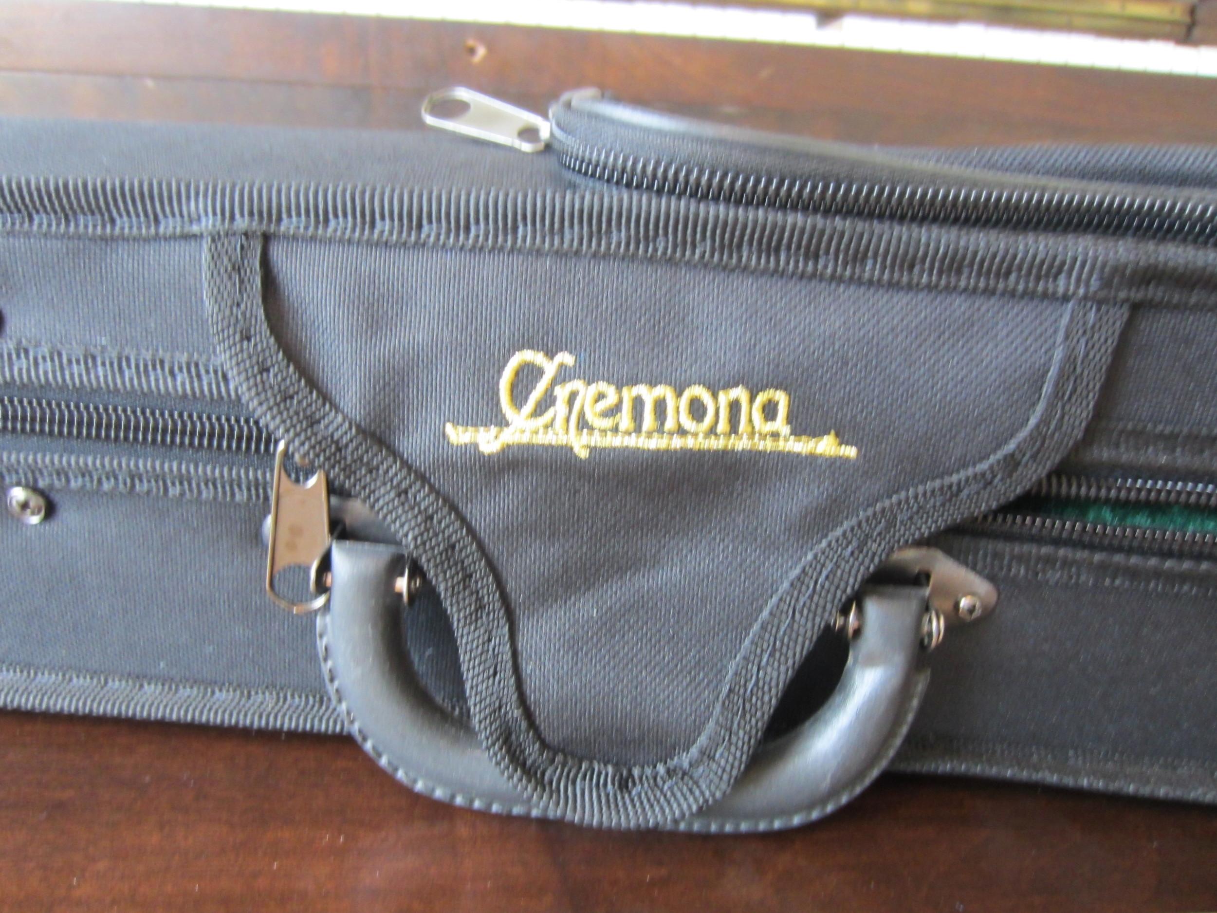 Cremona SV 130 Case