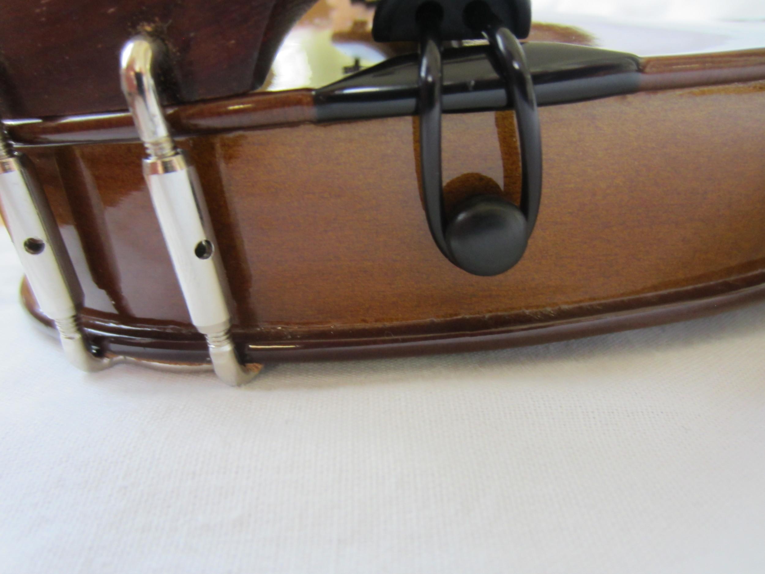 Stentor 1400 Violin Bottom