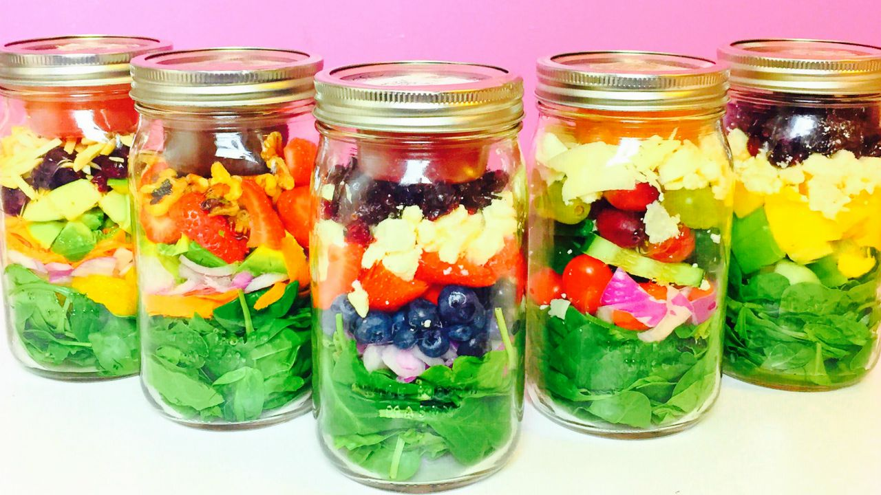 HEALTHY SALAD IN A JAR RECIPES