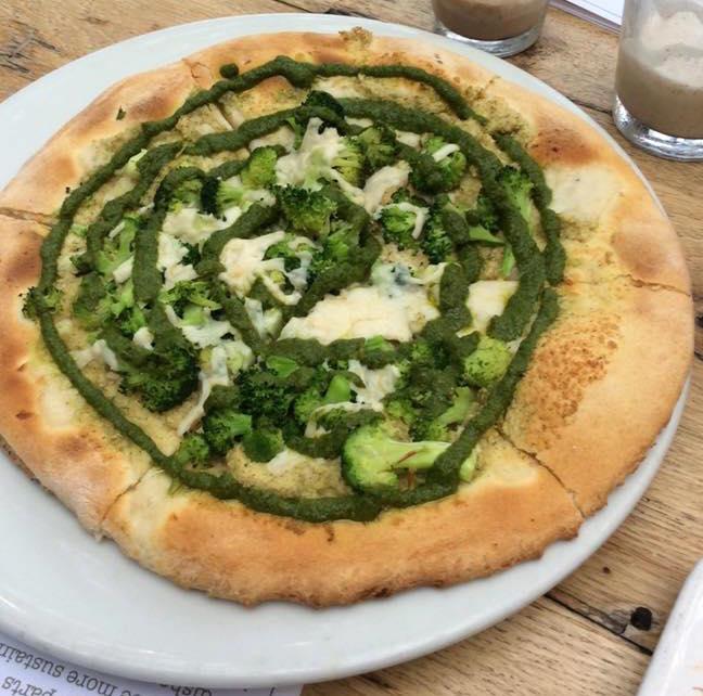 bROCCOLI 'WHITE' PIZZA