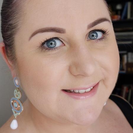 marisa-robinson-makeup-artist.jpg