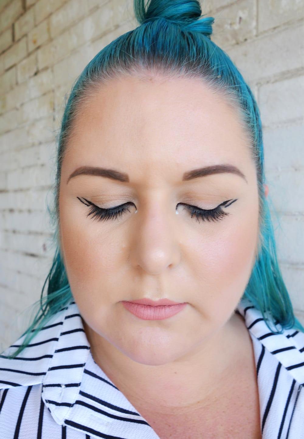 Marisa Robinson Makeup Artist Graphic Eyeliner